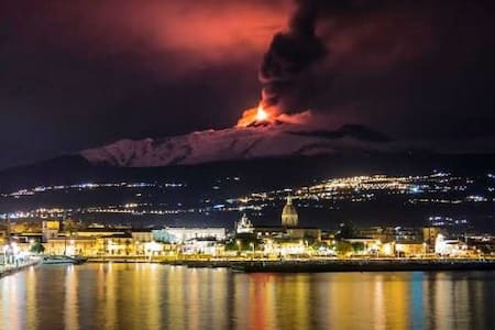 "Riposto Taormina ""Porto dell'Etna"" - มาสกาลิ - อพาร์ทเมนท์"