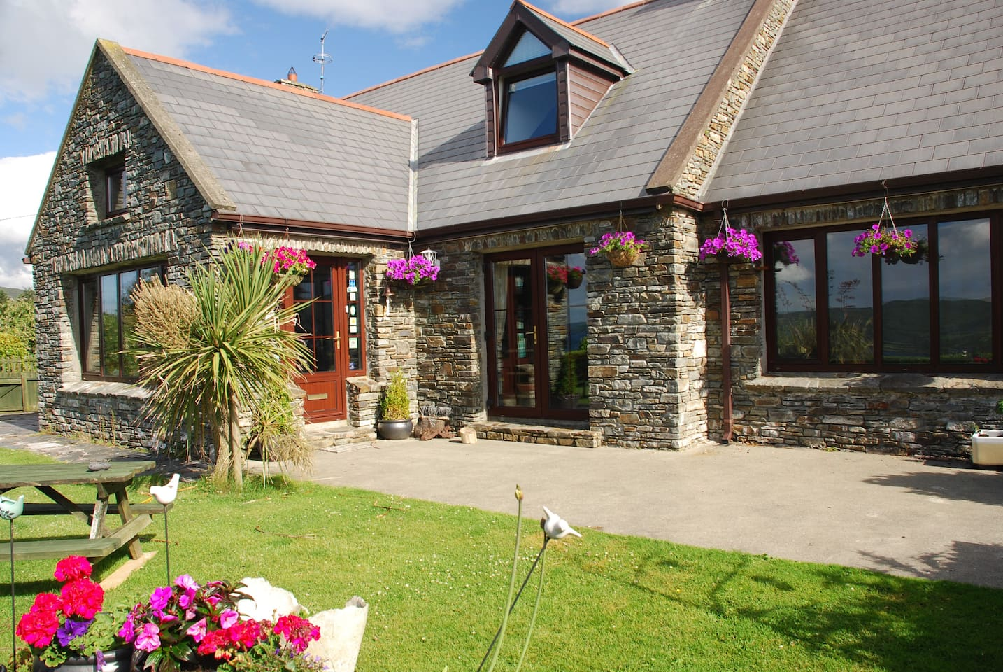 Carbery Cottage Guest Lodge