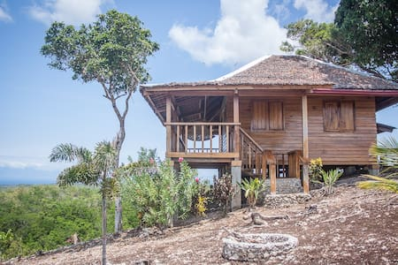 Remote Yukon Style wood cabin with amazing views - Siquijor