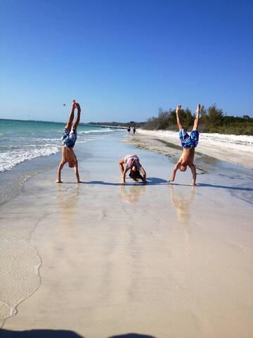 2brcondo on Longboat Key private beach,pool,tennis - Longboat Key - Condominium