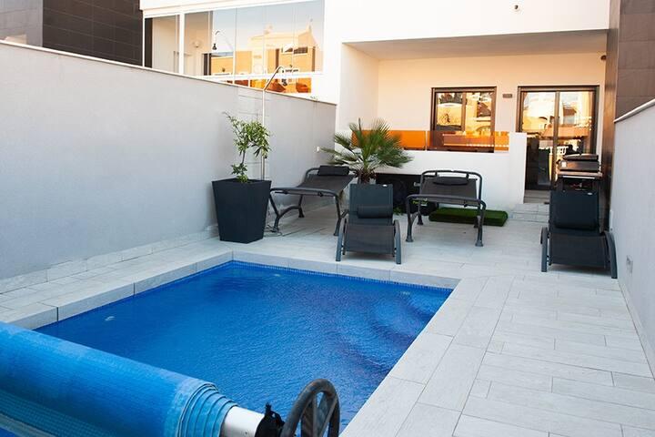 Bungalow avec piscine privée et chauffée