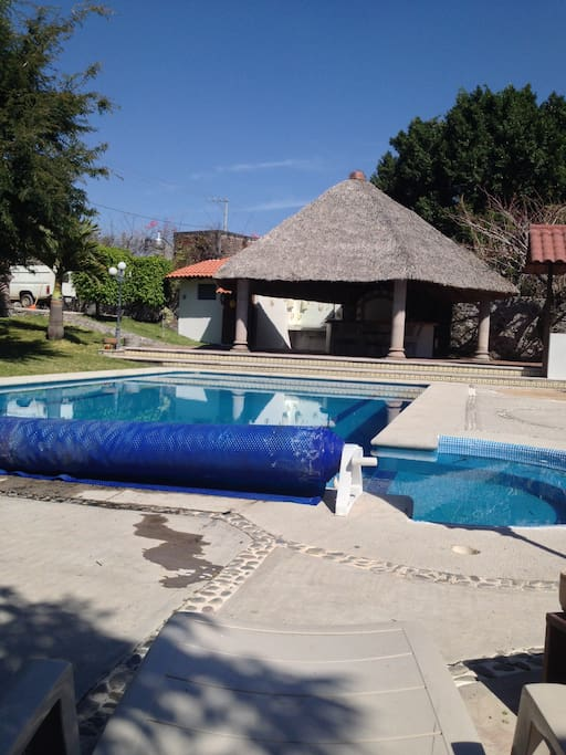 "<span class=""item-title ng-binding"" style=""font-weight: 700; display: block; font-size: 16px; text-align: start; white-space: normal;"">12 Bedroom, 8 Bath Sleeps 16 Tezoyuca, Morelos 62580, Mexico</span>"