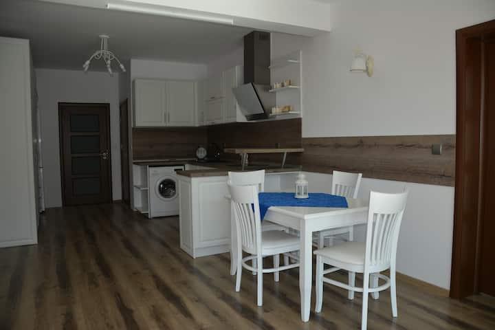 Apartment Mimosa White