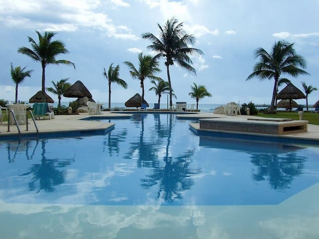 Spectacular Ocean Front Condo - Puerto Aventuras - Appartement