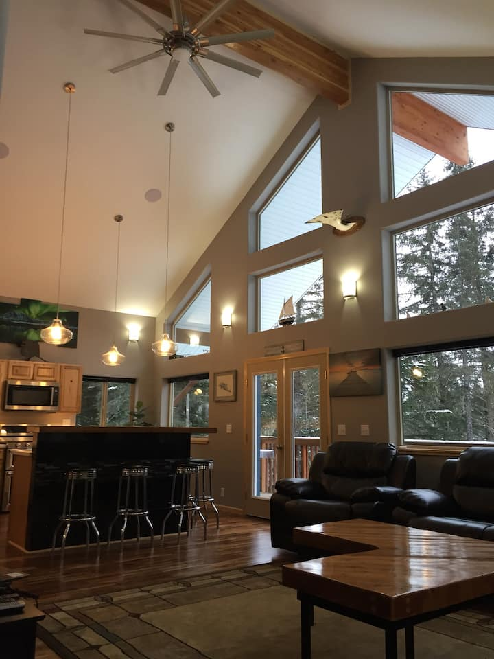 Two bedroom house with hot tub located in Seward.