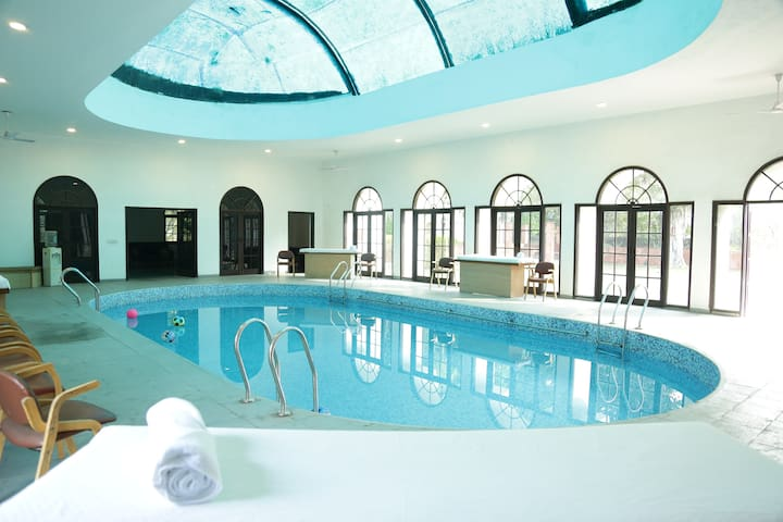 House of Joy-farmvilla, indoor pool, near sec 56