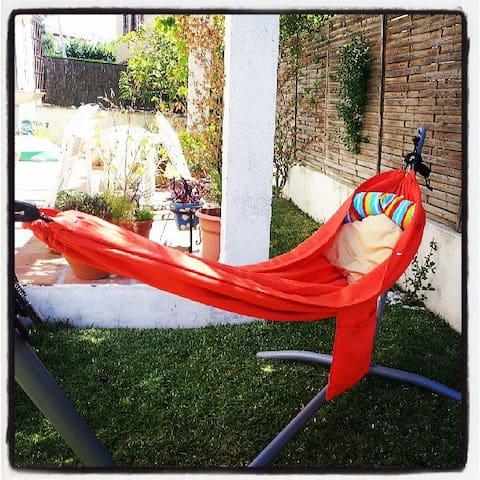 Casa con jardín a 25 min del centro - Villanueva del Ariscal - Hus