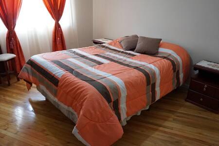 cómoda habitación en Cuenca