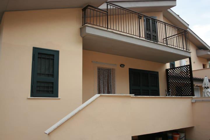 Robyhome1. villino indipendente affitti brevi - Ponte Galeria-la Pisana
