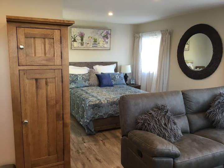 Studio 1 Bedroom Loft