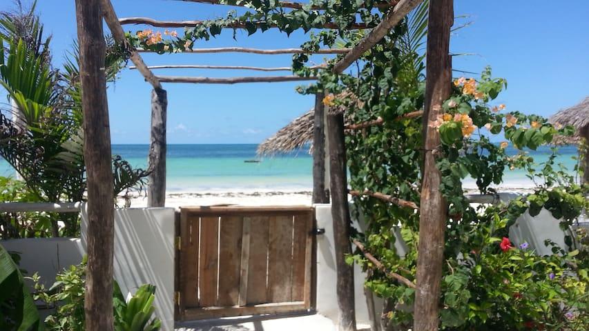 Couple's retreat, Beachfront Villa - Zanzibar - Villa