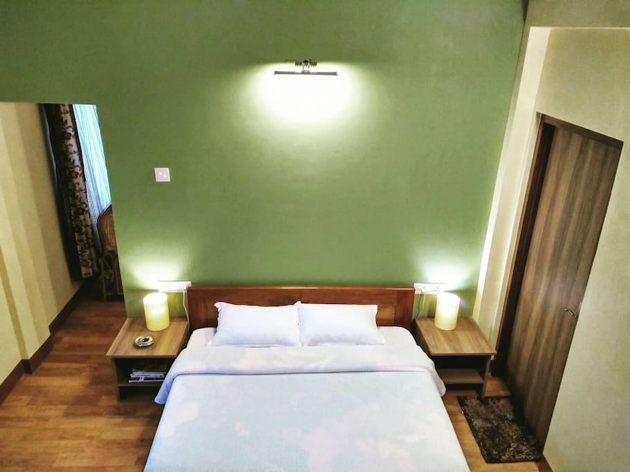 Suite 1 (Bedroom).
