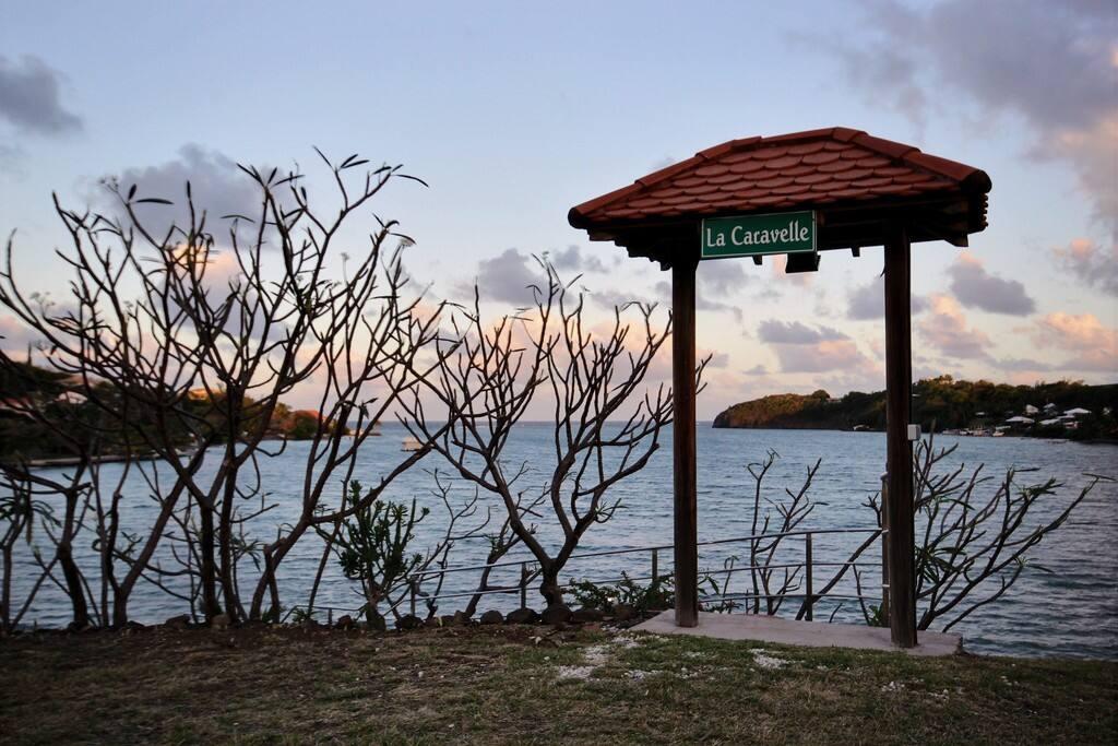 Villa située sur un grand domaine privé avec accès et vue mer, la Caravelle, Le François, Martinique