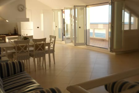 Beautiful Loft with Amazing SeaView - Ospedaletti