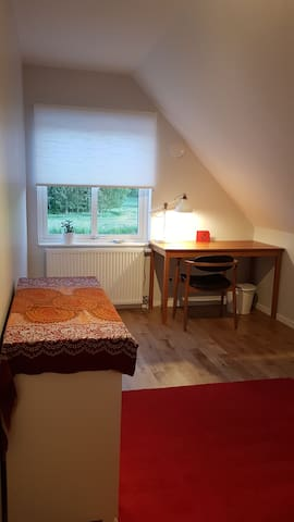 Singleroom No 2 in a new house 9 km from Lund C.