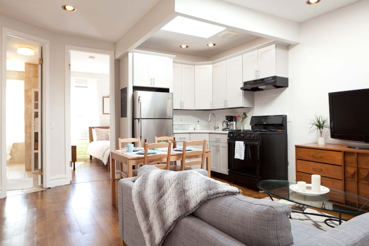 Sun filled 2BR in BedStuy Townhouse - Brooklyn - Hus