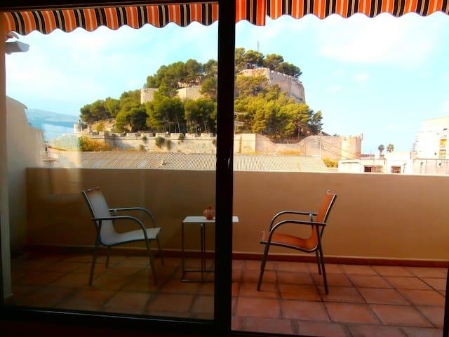 """Aptos. studios """"vistas al castillo"""" - Dénia"""