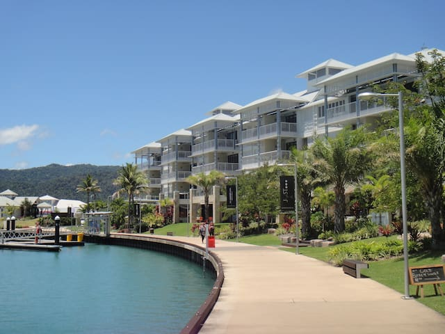 Boathouse Port of Airlie 2 Bedroom