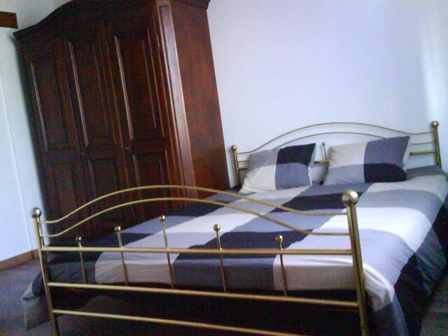 Möblierte Zimmer Haus Rue Paradis