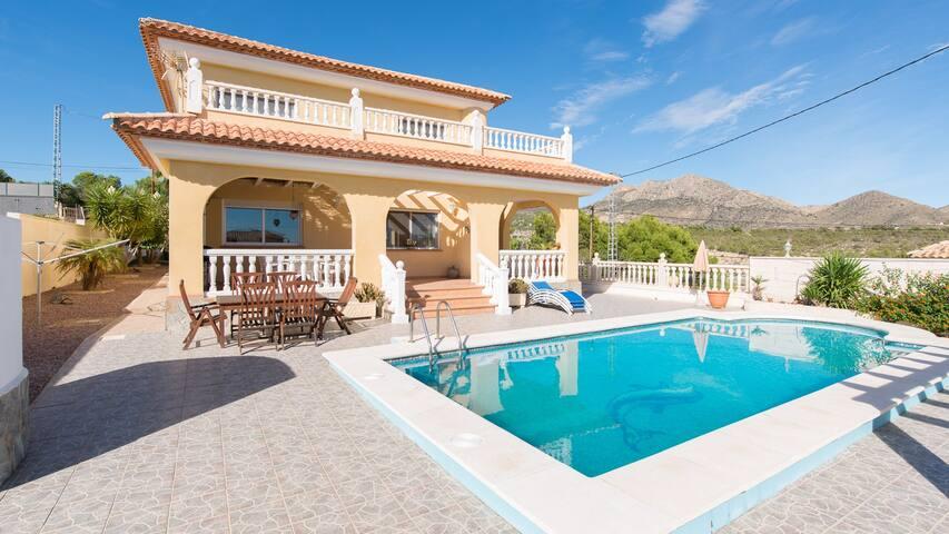 Magnifica villa cerca del mar - Busot - Ev