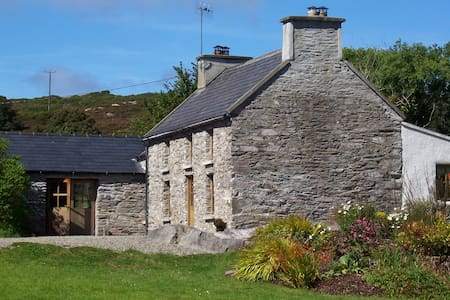 Original Irish Stone Cottage set in 2 acres - Toormore, Schull - 一軒家