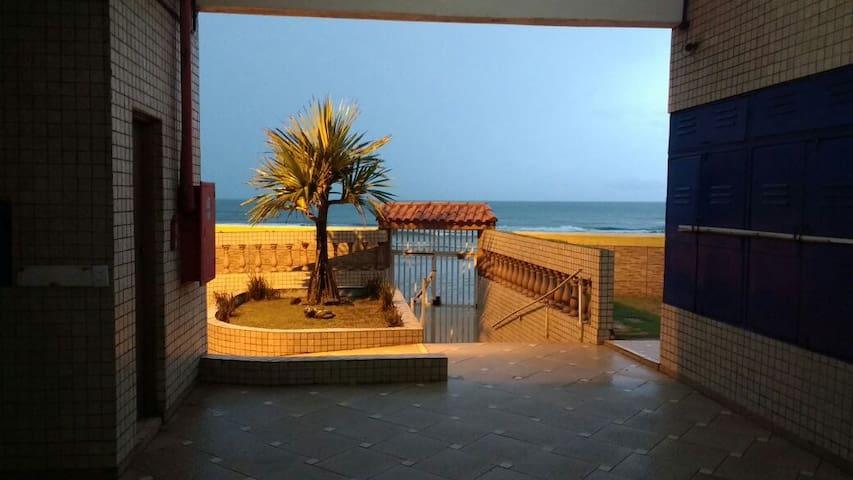 Apartamento pé na areia em Itanhaém - Itanhaém - Apartment