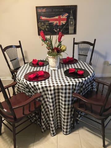 Enjoy the Peacefulness of Johnson Place Getaway - Pensacola - Condominio