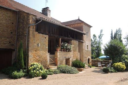 Chambre privée près de Cluny Taizé - Bonnay