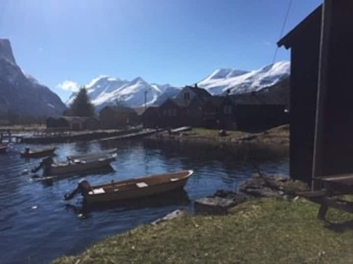Koselig leilighet i Eresfjord