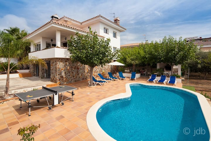 Perfect family holidays home - Sant Pere de Ribes
