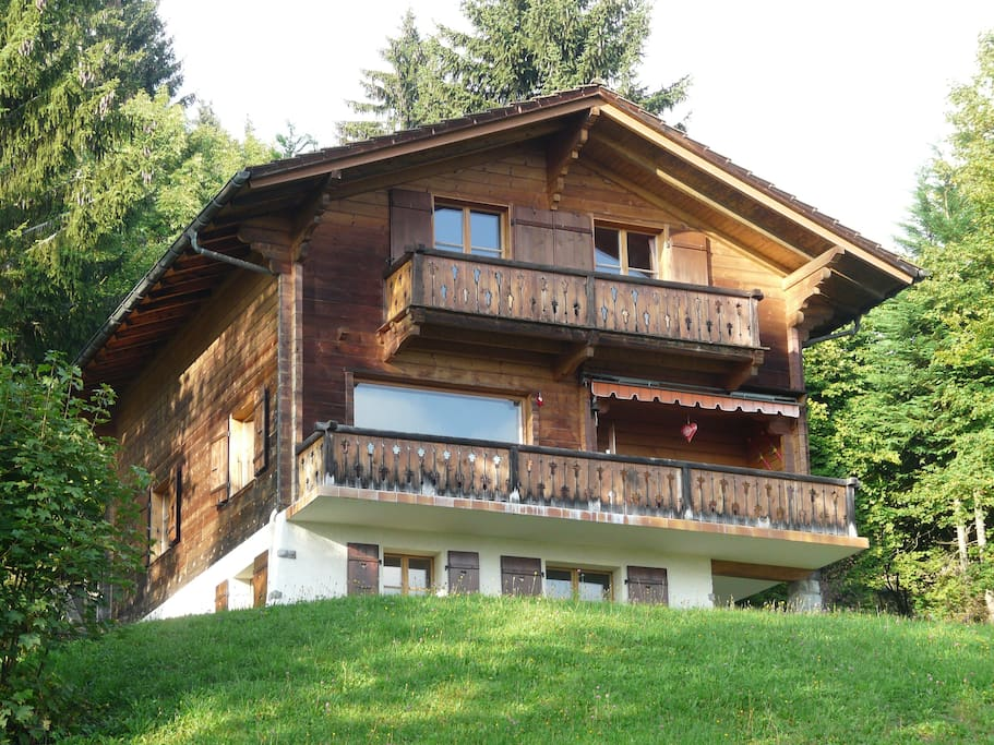 Frontal view of chalet in Summer