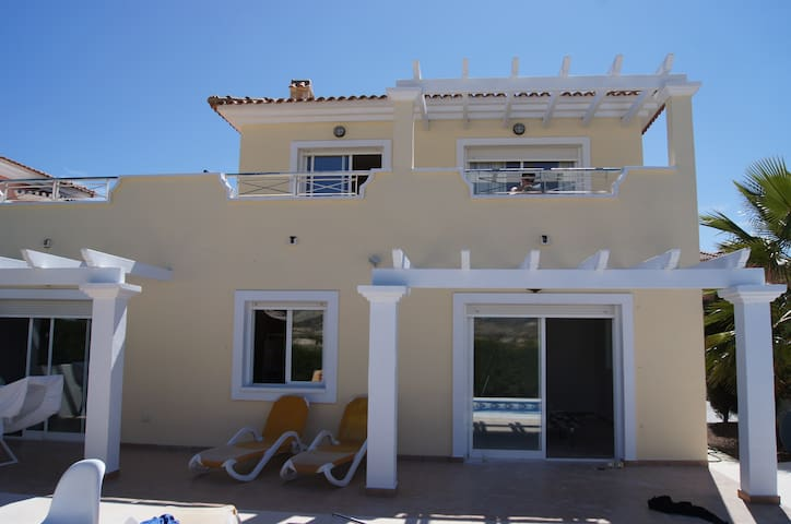 Unique front golf villa with pool - Murcia - Vila