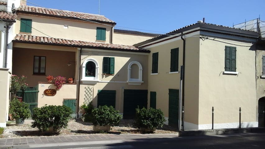 Charming apartment in an old house - Morciano di Romagna - Apartment