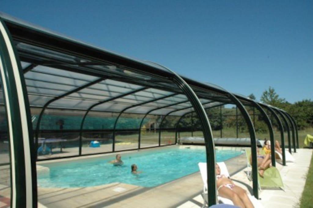 G te piscine priv e chauff e couverte maisons louer for Gite bretagne piscine couverte