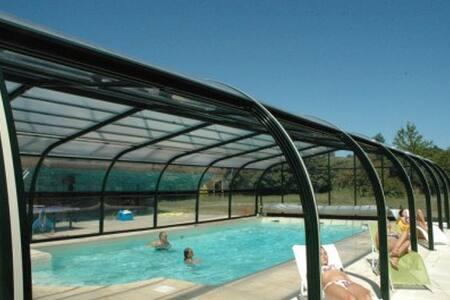 Gîte piscine privée chauffée couverte - Runan