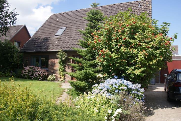 Haus Botilla - schöne Ferienwohnung in Garding - Garding - Apartmen