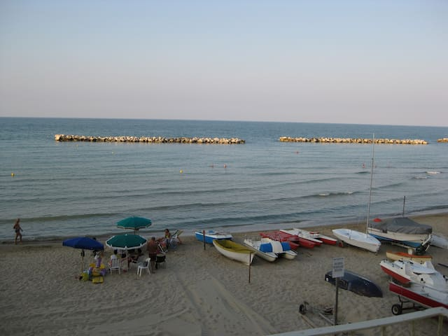 SEPTEMBER special offer  in front of the sea - Francavilla al Mare - Apartment