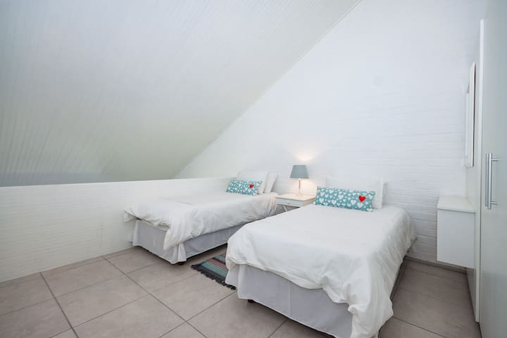 Bedroom 3, mezzanine