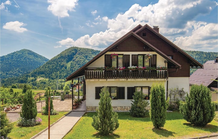 Amazing home in Ravna Gora with WiFi and 2 Bedrooms