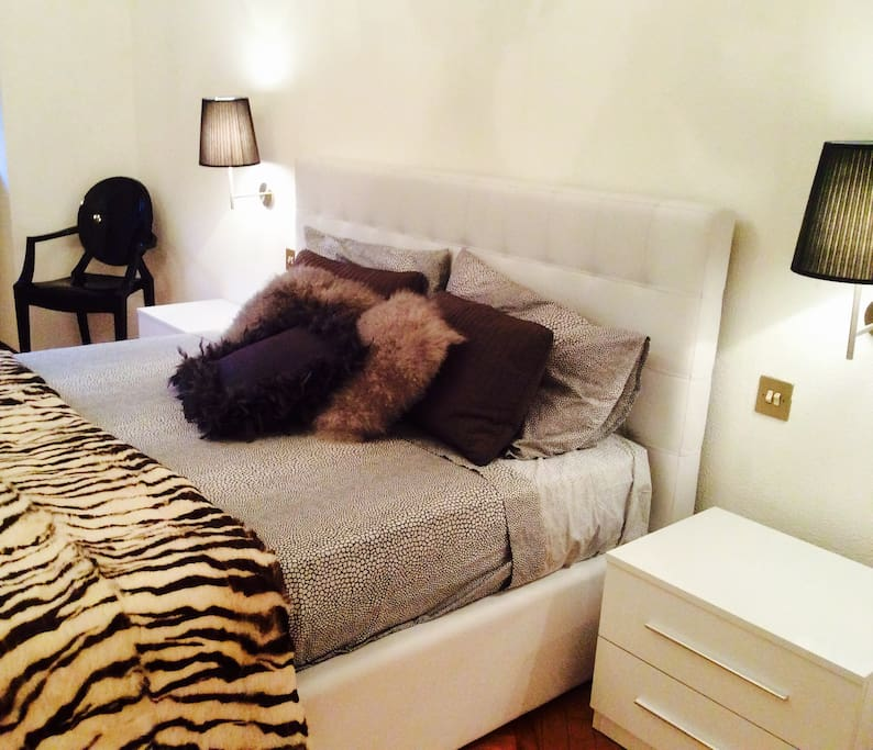 Black and white at 64 appartementen te huur in milaan lombardijen itali - Ruimte stijl louis philippe ...