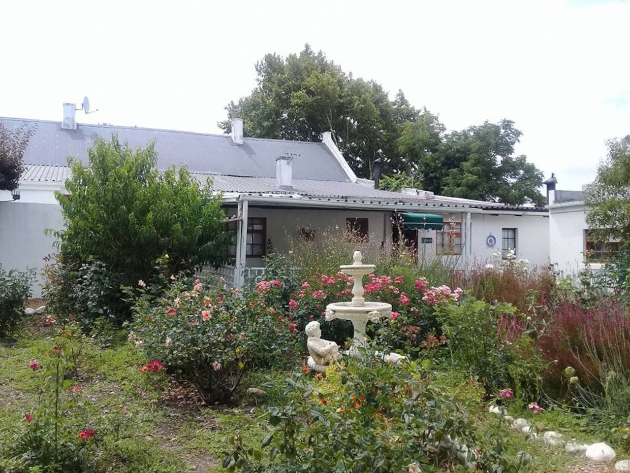 Lara's Cottage, overlooking Zoe's Rose Garden