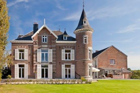 chateau de froidthier - Thimister-Clermont - ปราสาท