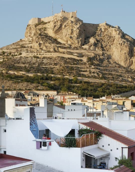 Ático completo en el centro histórico de Alicante, a 3 minutos de la Playa del Postiguet