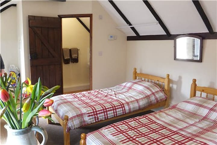 Countryside Studio Accommodation - Hurstwood Farm - High Hurstwood - Byt