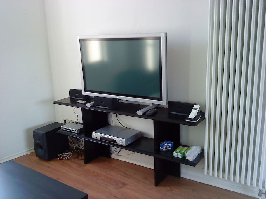 Plasma TV, Radio, Soundsystem, W-LAN -App. Rebekka-