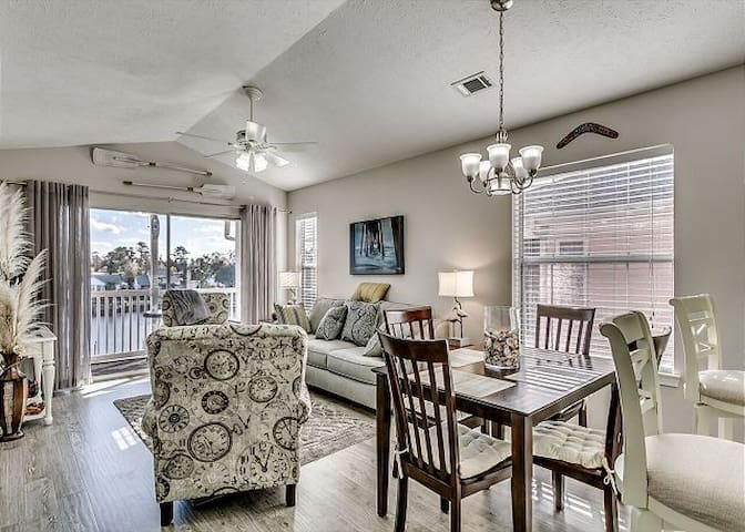 26I-WWV ~ Myrtle Beach`s Intercoastal Waterway Gem w/ Views, Dock, & Pool