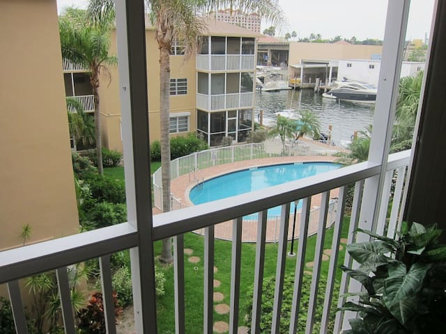 Furnished Condo - short/long term