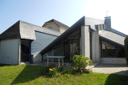 Maison de bord de mer . OUISTREHAM - Ouistreham