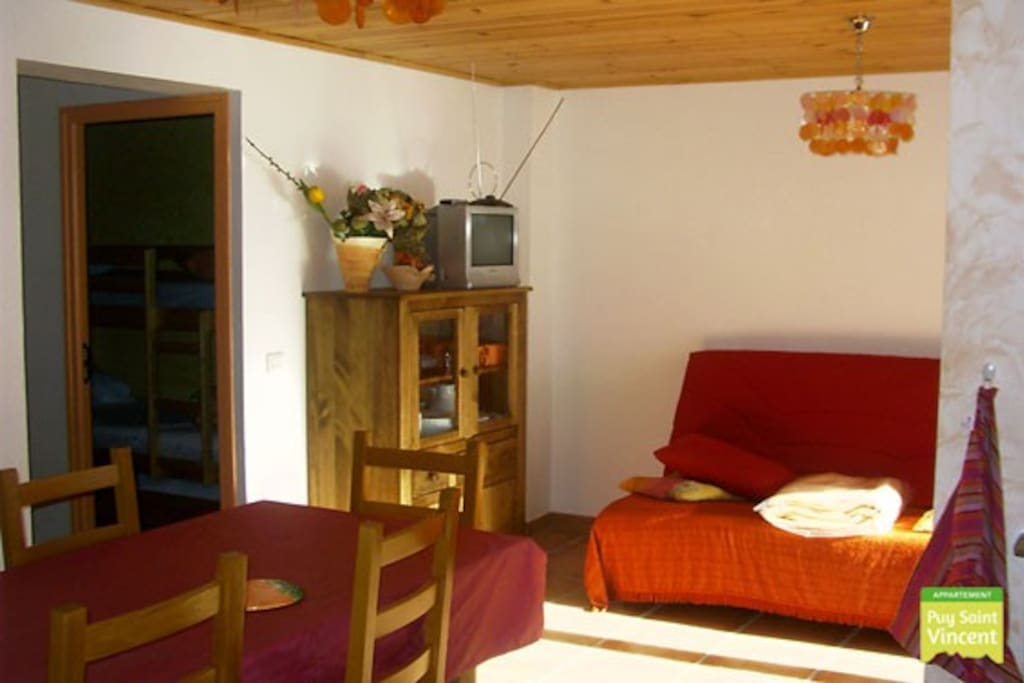 Although this apartment has 3 bed rooms that can sleep 6 persons, the couch can be used to sleep on as well.