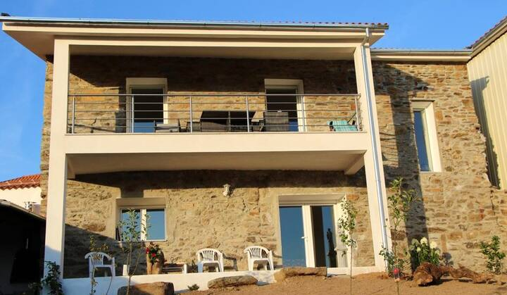 House with 2 bedrooms in Faílde, with enclosed garden - 17 km from the beach
